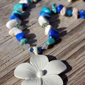 Tropical Dogwood Necklace